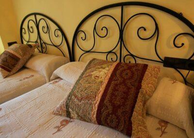 Cabeceras de las camas de la habitación Águila
